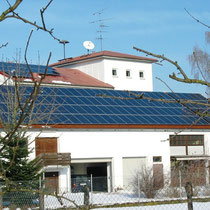 alkaSOL / EST project: Solon photovoltaic unit on a barn in Dingolfing, Germany