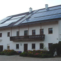 alkaSOL / EST project: Sharp photovoltaic on an old farmhouse near Eichendorf, Germany