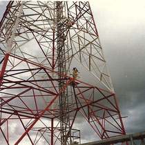 alkaSOL project: Nigeria 1984 -  Nitel transmission tower - installation of obstruction light