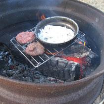 Hamburger mit Zwiebeln