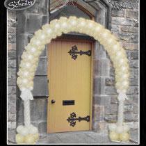 Hochzeitsbogen Eingang Kirche