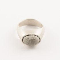 Ring oval klein, Silber, Beton