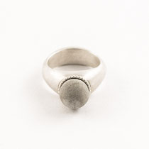 ring round small, silver, concrete