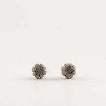 Ohrstecker Blume, Silber und Beton