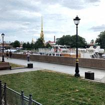 St. Petersburg | Stadtrundfahrt | Haseninsel-Stimmungsbild | Peter-und-Paul-Kathedrale im Hintergrund