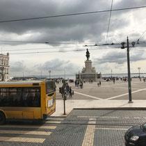 «Hopp on, Hopp off»: Praça do Comércio