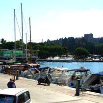 2013 | Rhodos-Stadt | «Hafenbummel» | Blick auf den Grossmeisterpalast. |