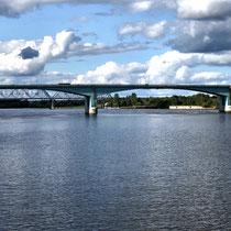 Uglitsch | Strassenbrücke, vorn | Eisenbahnbrücke, hinten