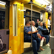 Moskau | Metro | Während unserer Fahrt von Station zu Station