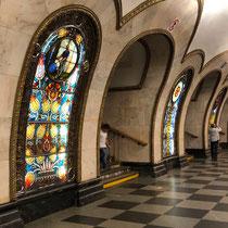 Moskau | Metro | Metrostation «Novoslobodskaja» | 1952 | Architekten A. Duschkin und A. Strelkow