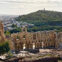 «Odeon des Herodes Atticus»: Antikes Theater am Fuß des Akropolis-Felsens. Von Herodes Atticus gestiftet - fasst 5000 Zuschauer.