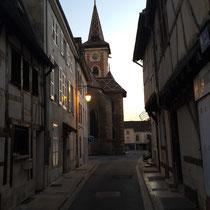 Louhans: Kirche »Saint-Pierre« mit einem Dach aus mehrfarbigen Ziegeln.