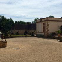 Cormatin, Dept. Saône-et-Loire: Das Schloss »Cormatin« steht auf einer Insel im Fluss Grosne. In Privatbesitz.