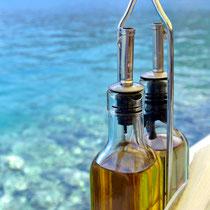 2013 | Rhodos | Symi | Näher am Wasser geht nicht! Im besten Fischrestaurant der Insel.