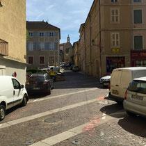 Cluny: Altstadt-Bummel bei gut 40° C.