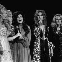 The fabulous women of country- Lynn Anderson, Dolly Parton, Loretta Lynn, Dottie West & Tammy Wynette!