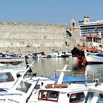 2013 | Rhodos-Stadt | Antike trifft auf Moderne. |