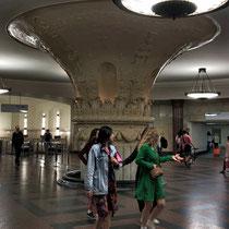 Moskau | Metro | «Kunst» soweit das Auge reicht ...