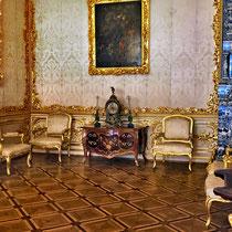Puschkin | Katharinenpalast | Man beachte die seitlichen Tische: Mit Aussparungen für korpulente Gäste ...