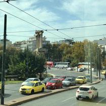 Auf dem Weg zum «Neuen Akropolis Museum»: «Handrian's Arch»