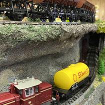 2021 | «Flückingen» | Güterzüge auf dem Weg zum Bhf. Bellevue-Nord., resp. Bellevue-Süd.
