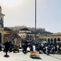 «Monastiraki Square» mit der «Church of the Pantanassa»: «Welten stehen sich gegenüber!»
