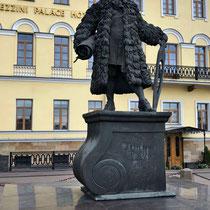 Domenico Andrea Trezzini  | * um 1670 in Astano; † 1734 in Sankt Petersburg | Schweizer Architekt, der vor allem in Russland tätig war; sein russischer Name war Andrej Jakimowitsch Tresin.