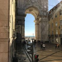 Die Rua Augusta ist eine Straße im Zentrum der portugiesischen Hauptstadt Lissabon. Sie führt von der Praça do Comércio etwa 550 Meter in nördlicher Richtung zur Praça de D. Pedro IV (Rossio).