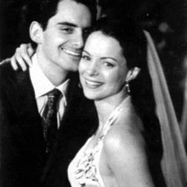 Brad Paisley married Kimberly Williams-Paisley at Stauffer Chapel on the campus of Pepperdine University back on March 15, 2003.