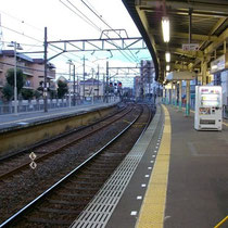 京成線って田舎の電車っぽい…