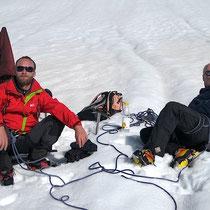 Yan et Jean-Georges pour la pause à la combe du Maudit.