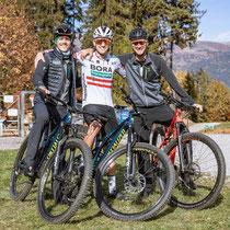 Die Österreicher Gregor Mühlberger, Patrick Konrad und Felix Großschartner am Hochstein (Copyright: Expa Pictures)