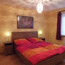 Doppelbett 160 x 200 cm, http://www.badische-zeitung.de/bad-krozingen/der-kurpark-verwandelt-sich-in-eine-genussmeile--140773253.html
