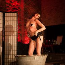 """""""Das Blutbad"""" von und mit: MISS SUGAR - Foto: Lex"""