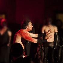Show: Die Pfählung eines Vampirs: DR DIVA als: Vampir - Foto - Lex