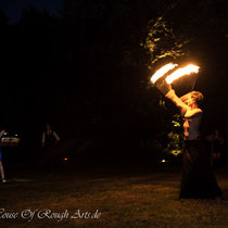 Feuer Show von Cloé aus Paris Foto: House of Rough Arts