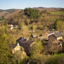 Vue des gites de la Fabarède, Hameau de Seingleys, Gorges de la Dourbie, Sud Aveyron