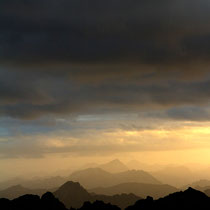 Silhouettes de cîmes. Photo Cyprien Bichet