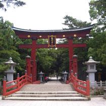 敦賀市 気比神宮の鳥居 日本三大鳥居のひとつです