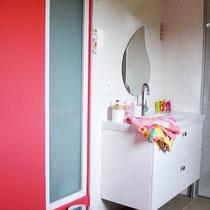 lavabo salle de bains enfant