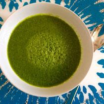 Et voilá! Viel Spaß beim Genießen dieser Chlorophyll-Bombe und Nahrung auf Zellebene!