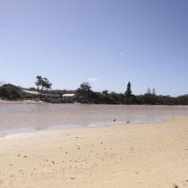 Fluss und Meer treffen zusammen in Brooms Head :)