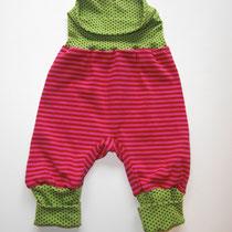 17 Baby- Kleinkindhose (aus Jersey. Wächst quasi mit, weil man die Bündchen umkrempeln kann) 14,00 Euro