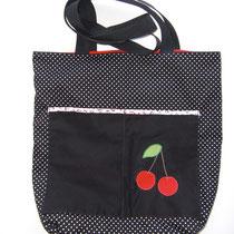 21 Handtasche / Beutel  mit ca 12 cm breitem Boden. Vorne 2 Außentaschen