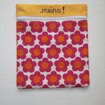 7 Kosmetiktasche/Utensili (außen Baumwolle, innen Baumwolle oder Wachstuch, mit Reißverschluss, ca. 18X20 cm) 9,50 Euro