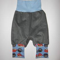 16 Baby-/ Kleinkindhose (aus Feincord, Jersey und dehnbarer Bündchenware. Wächst quasi mit, weil man die Bündchen umkrempeln kann)....Preis: 16,00 Euro