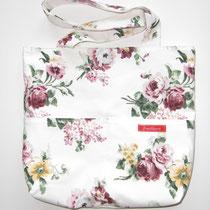 2 Handtasche, vorne mit 2 Fächern und Innentasche