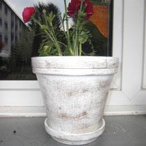 5 Lackierter Blumentopf
