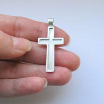 Kreuz Anhänger anfertigen