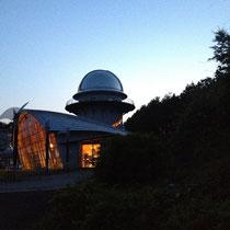 夕食の後は みさと天文台 へ大移動。
